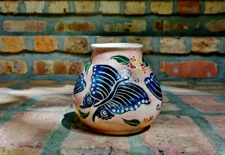 Butterfly pot on Bricks 095 (1024x706) (2)